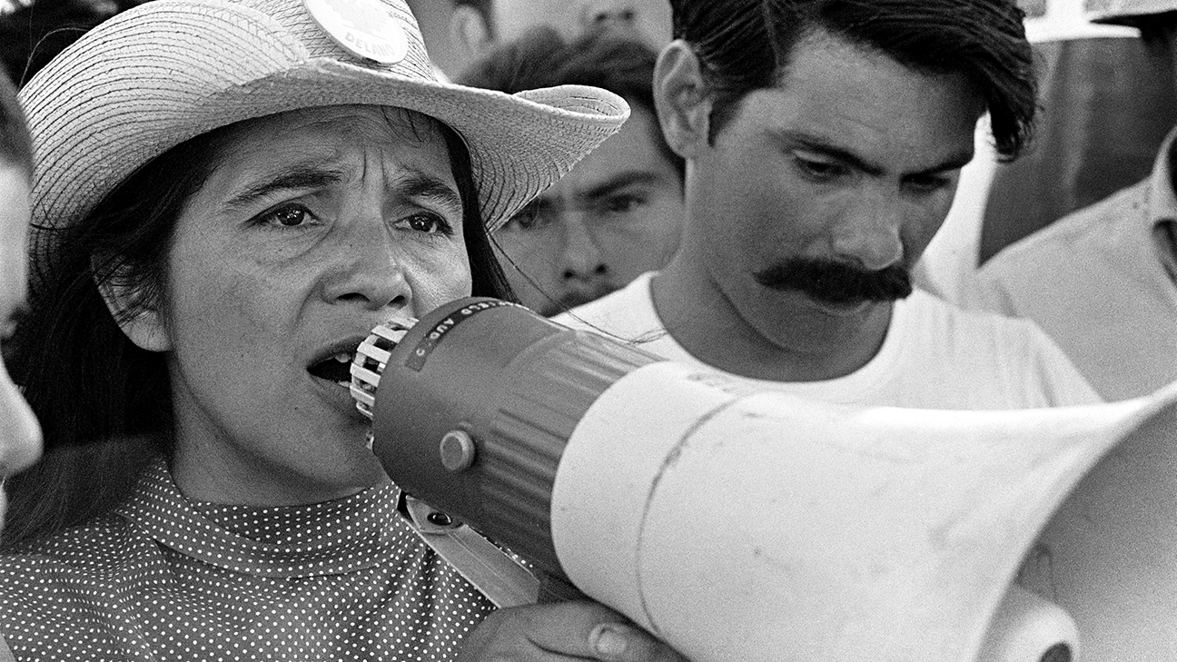 1-United-Farm-Workers-leader-Dolores-Huerta-organizing-marchers-on-the-2nd-day-of-March-Coachella-in-Coachella-CA-1969.-©-1976-George-Ballis-_-Take-Stock-_-The-Image-Works