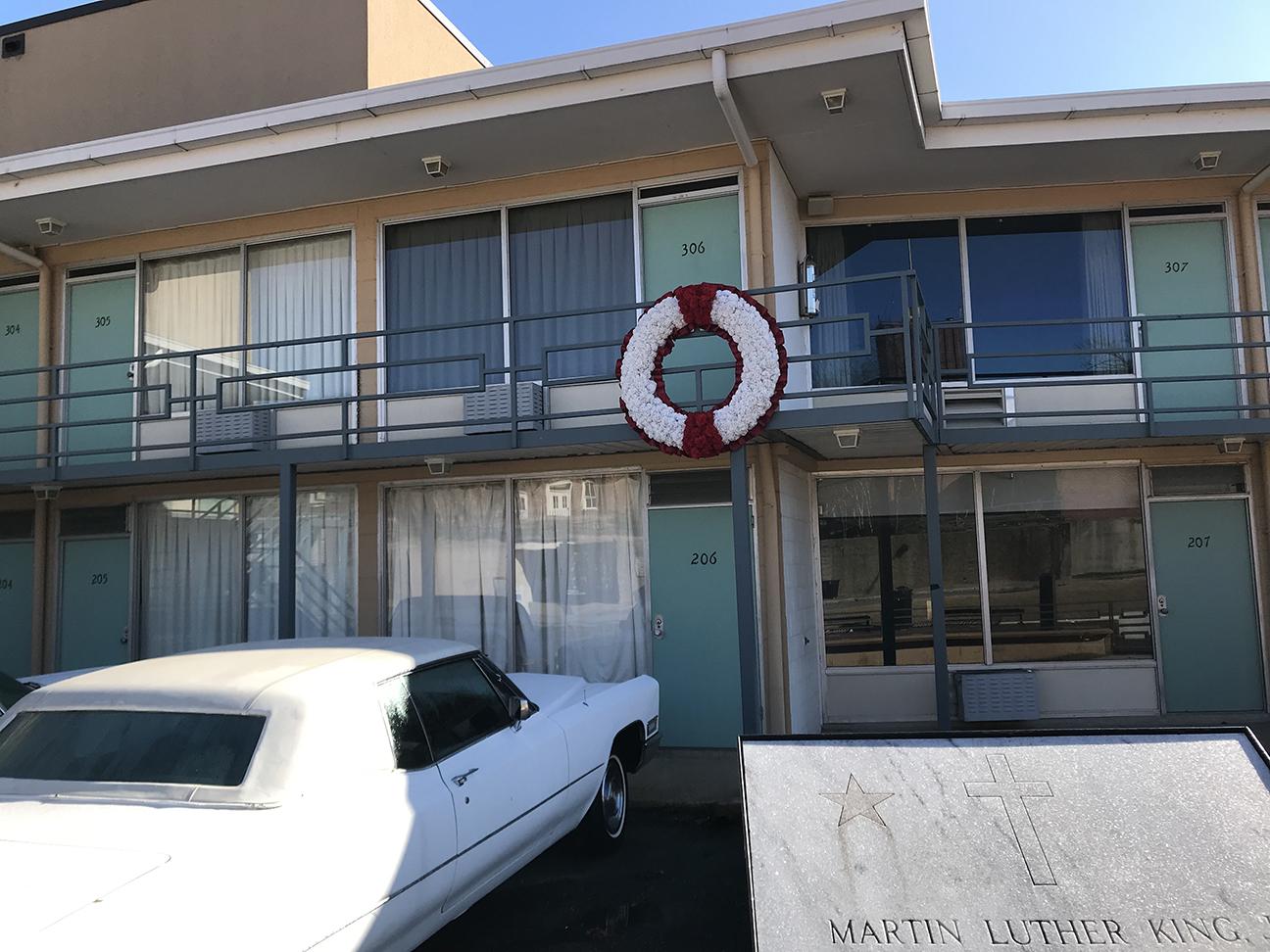 BalconyLorraineMotel