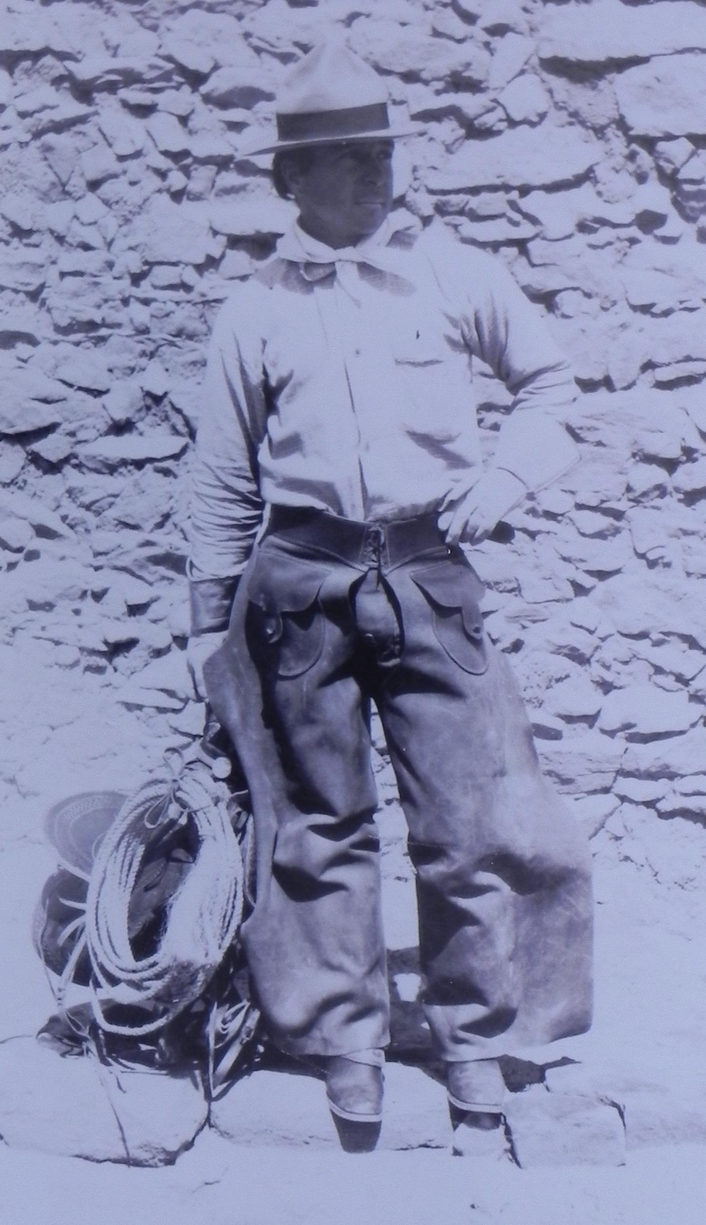Jo-Mora-as-a-young-cowpoke