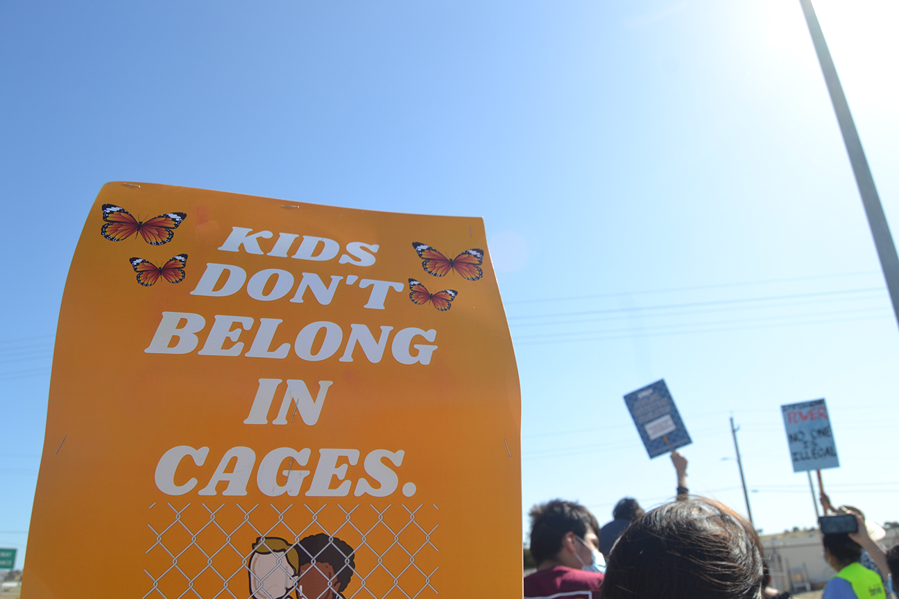 migrant.kids-cages